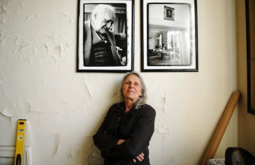 Sylvia Plachy in Room 246, Andrew Freedman House photo from Daily News